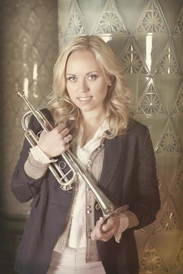 """Bild: """"tenThing"""" Brass Ensemble - Weihnachtliches Konzert mit Star-Trompeterin Tine Thing Helseth"""