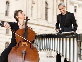 Bild: Zeitreisen mit Johann Sebastian Bach - Anna Carewe & Oli Bott Duo