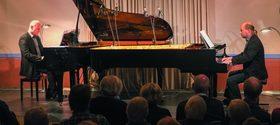 Bild: Grenzgänger – 2 Pianisten – 2 Flügel