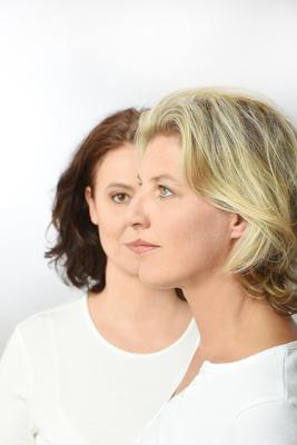 Bild: Sia Korthaus & Ariane Baumgartner - Komm ganz nah