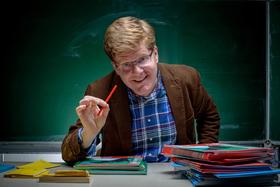 Herr Schröder - World of Lehrkraft - Ein Trauma geht in Erfüllung