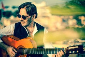 Bild: Al Di Meola - Special Guest: Gitarrenvirtuoso Frano (13 J.)