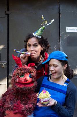 Bild: Das Müllmonster feiert Geburtstag - Red Dog Theater