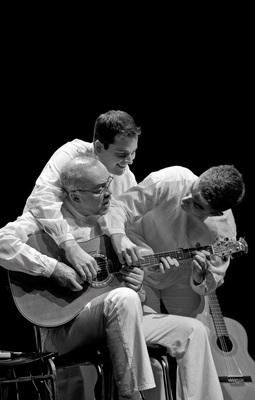 Trio Balkan Strings - Balkan Gypsy Swing