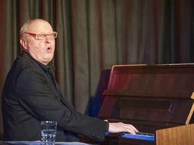 Bild: Heinz Klever - Politisches Kabarett mit Musik