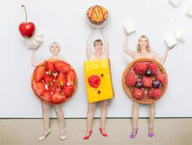Bild: Ohnsorg Theater- Kalenner-Deerns - u.a.mit Sabine Kaack u. Sandra Keck