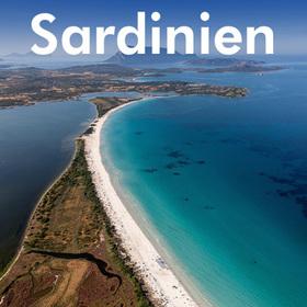 Bild: Sardinien - mit Wanderstiefel, Flossen, Kajak und Gleitschirm