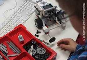 Bild: Lego Mindstorms - Workshop mit dem ZKM - Roboter bauen und programmieren