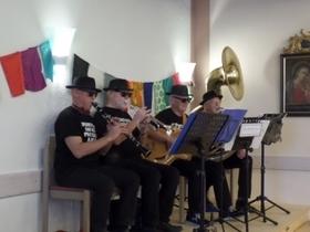 Bild: Das musikalische Quartett: Pflegestufe Null - Schlager, Jazz, Chansons, satirische Volksstücke