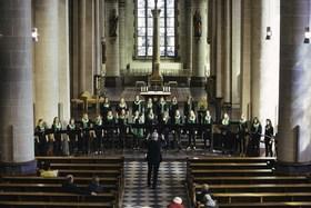 Bild: Mädchenchor des Essener Doms - Ltg. R. Wippermann, Ute Gremmel-Geuchen, Orgel