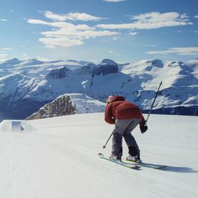 Bild: Snowtime #3: Ski-Movies - Berggipfel. Tiefschnee. Adrenalin.