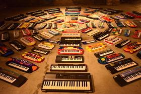 Bild: 100 Keyboards - Asuna