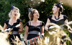 """Bild: Nikolaus Jazz mit """"Essichessenz"""" & The Chives Sisters"""