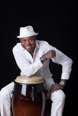 Bild: Salsa Party mit Livemusik - Todo en Salsa mit Roberto Santamaria aus Kuba!