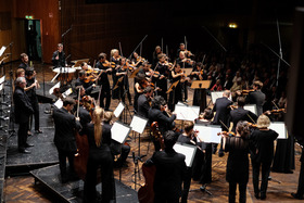 Bild: Mitsuko Uchida & Mahler Chamber Orchestra - Konzertmeister: Matthew Truscott