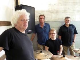 Bild: If You Wanted To 40jähriges Bandjubiläum - Ein Gesamtkunstwerk aus Musik, Video/Licht und Text zum 40-jährigen Bandjubiläum