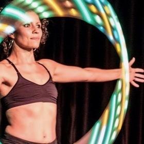 """Bild: Papageno III """"Hoop-Dance"""""""