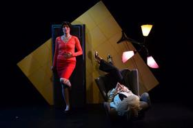Bild: Frauen lügen aus ihrem Leben - Materialtheater