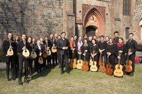 Bild: Zauberhafter Klang der Gitarren und Mandolinen - Landesjugendzupforchester