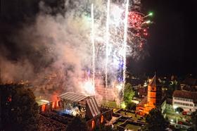 Bild: Kloster in Flammen