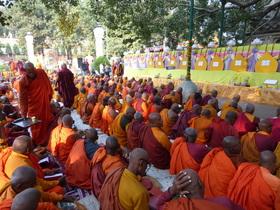 Bild: In Buddhas Ländern - Eine Lese-Reise mit Bernd Schiller