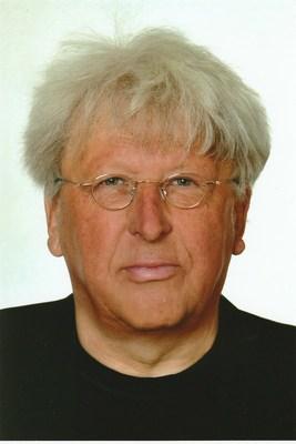 """Bild: Kaffeezeit mit Prof. Eberhard Görner - """"Wolle auf Asphalt – Das Experiment Trabant """" eine deutsch-deutsche Autodramatik."""