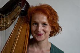 Bild: Frauenfrühstück - Susanne Weinhöppel: Harfe, Lieder, poetische Satire