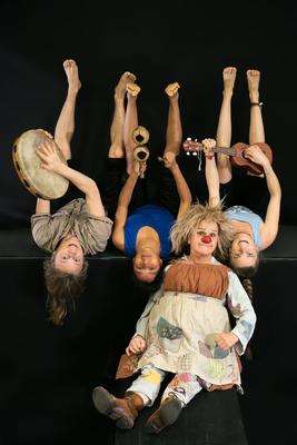 Bild: Gardi Hutter - DIE Clownin + Ensemble - Gaia Gaudi