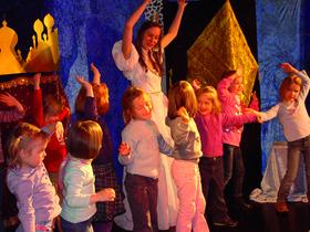 Bild: Dornröschen - Mitspieltheater (bis 9 Jahre) - Für die ganze Familie