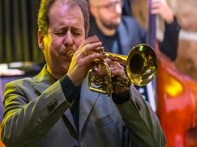 Bild: Hör.Bar Jazz - Eine Reise durch die Jazzgeschichte feat. Hubert Winter (sax), Sebastian Strempel (trumpet)