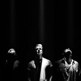 Bild: Eau Rouge & Into The Fray - Doppel EP-Live Premiere