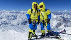 Bild: Bergsteigervortrag mit Luis Stitzinger & Alix von Melle - 7 x 8000 – Zwischen Gewitterinferno und Gipfelglück