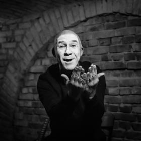 Bild: Dezember 2018 - Simon Weiland Musiktheater ‹arm und reich› Uraufführung