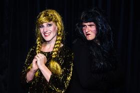 Frau Holle - Bezauberndes Märchentheater für Groß & Klein