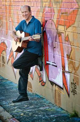 Bild: Richard Gilewitz - Fingerstyle Guitar Acoustic Adventurer