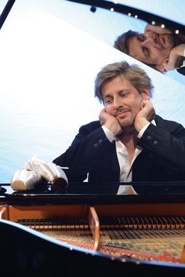 Daniel Helfrich - Eigentlich bin ich Tänzer