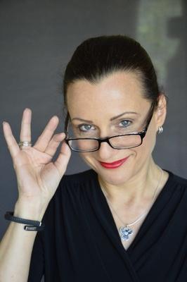 Bild: Frau Professor Elisabeth Heinemann - Die digitale Leichtigkeit des Seins