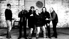 Bild: Tikibar Akustik-Wohlfühl-Konzert - Ganznah-Konzert