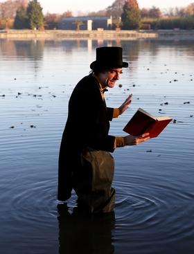 Bild: Literatur im Park - ... von Buchstabentauchern und Wortakrobaten