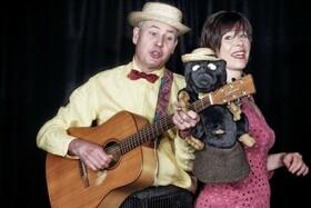 Bild: Wenn der Maulwurf Tango tanzt - Kindertheater - Ein Liedertheater mit Christof & Vladislava Altmann
