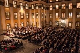 """Bild: Traditionelle Schlosshofserenade - """"Hör nach bei Shakespeare"""": Shakespeare-Vertonungen"""