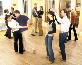 Bild: Let´s dance - Tanzkurs - Acht Wochen, acht Termine und acht außergewöhnliche Orte