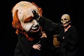 Hessisches Staatstheater WIesbaden und Theater Rayo. - Glöckner von Notre Dame - Eine Groteske mit Puppen
