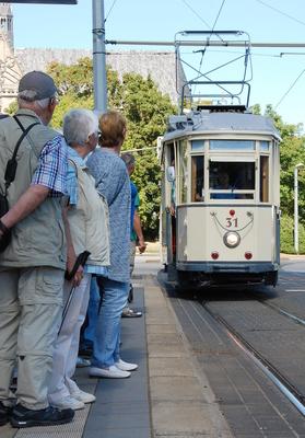 Bild: Stadtrundfahrt mit der historischen Straßenbahn