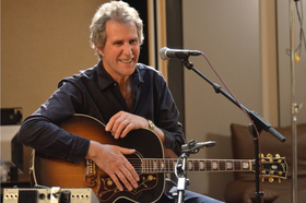 Bild: John Illsley & Band - 'Coming Up For Air' Tour 2019
