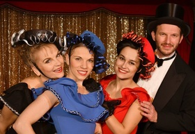 Bild: Die große Kempinsky Abschieds-Revue - Theater rote Bühne