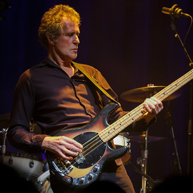 Bild: John Illsley & Band - Coming up for air - Tour 2019