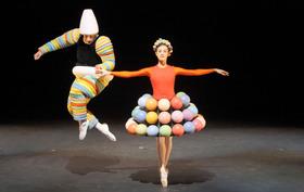 Bild: Bayerisches Junior Ballett München - Das Triadische Ballett