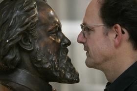 Bild: Michael Quast präsentiert Friedrich Stoltze - Szenische Lesung (Literaturland Hessen: Ein Tag für die Literatur)
