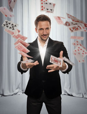 Bild: Peter Valance - Germany´s Best Illusionist - Zauberkunst, magische Stunts und Comedy